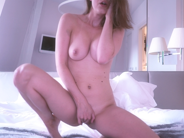 payante strip, topless, masturbation, mouille, hot, fingering